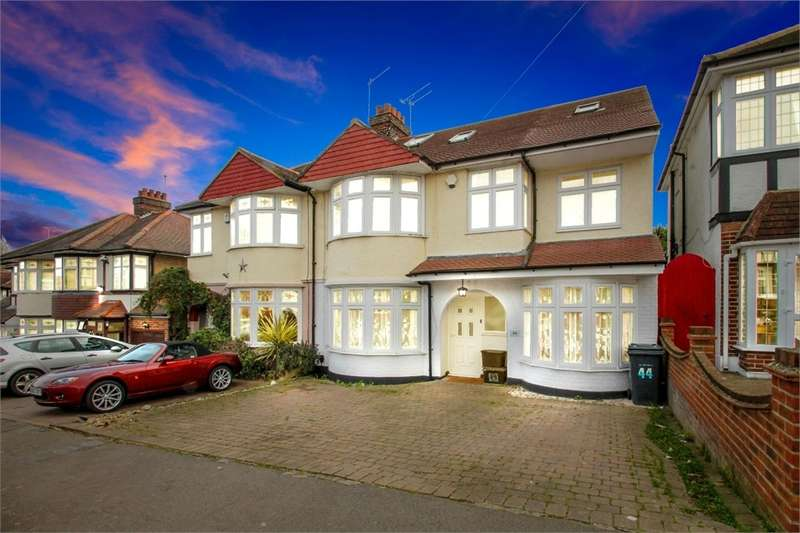 5 Bedrooms Semi Detached House for sale in Beverley Crescent, Woodford Green IG8