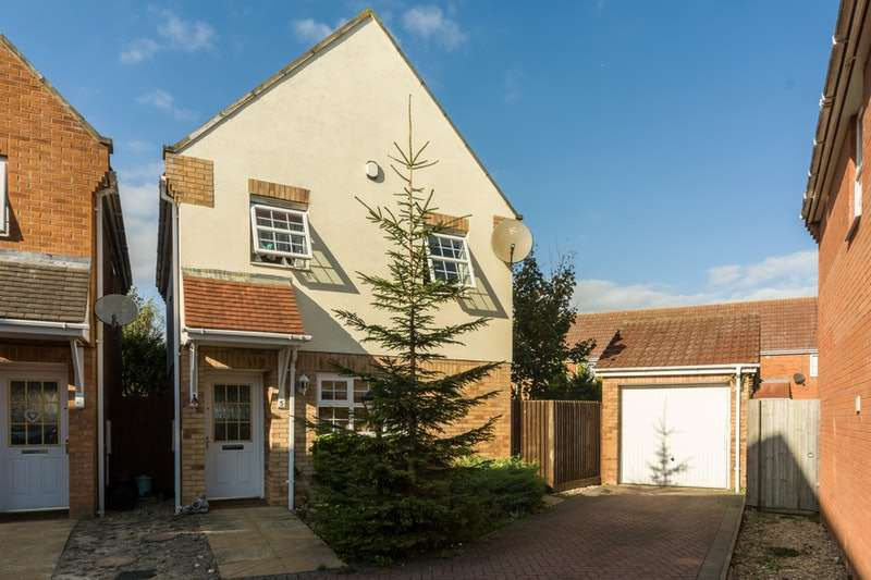 3 Bedrooms Detached House for sale in Heron Way, Spalding, Lincolnshire, PE11