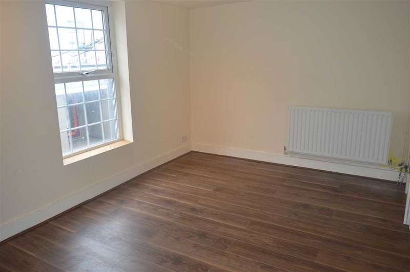 3 Bedrooms Apartment Flat for sale in Lowfield Street, Dartford