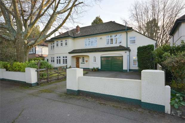 5 Bedrooms Detached House for sale in Alyth Road, Talbot Woods, Bournemouth