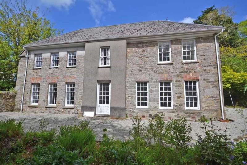 5 Bedrooms Detached House for sale in St Gluvias, Penryn, Cornwall