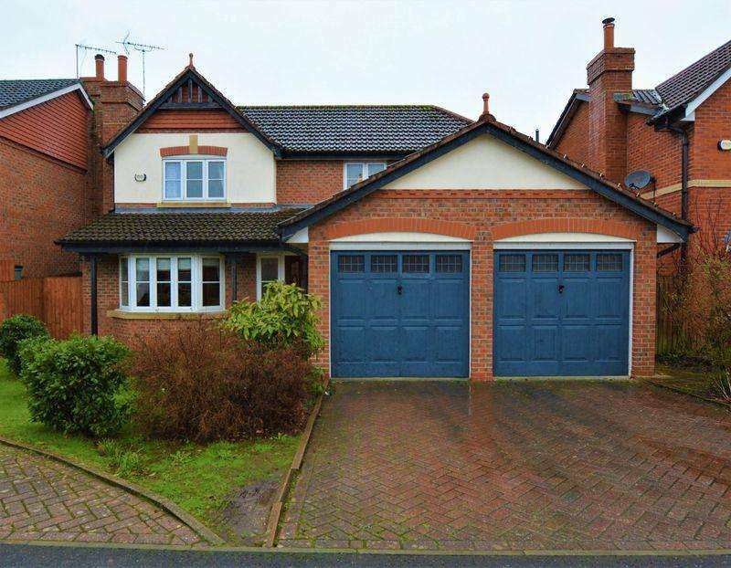4 Bedrooms Detached House for sale in Highfield Close, Davenport