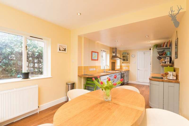 2 Bedrooms House for sale in Medway Road, Bow, E3