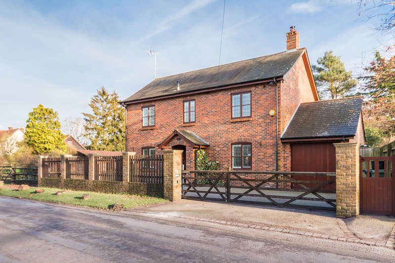 4 Bedrooms Detached House for sale in Rockford, Ringwood, Hampshire