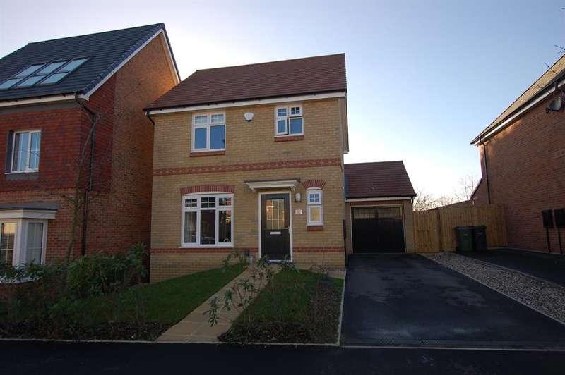 3 Bedrooms Detached House for sale in Denby Way, Cradley Heath, B64 5RF