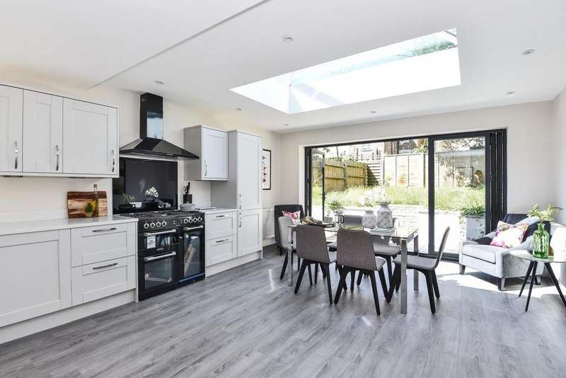4 Bedrooms Semi Detached House for sale in Thurlestone Road, West Norwood