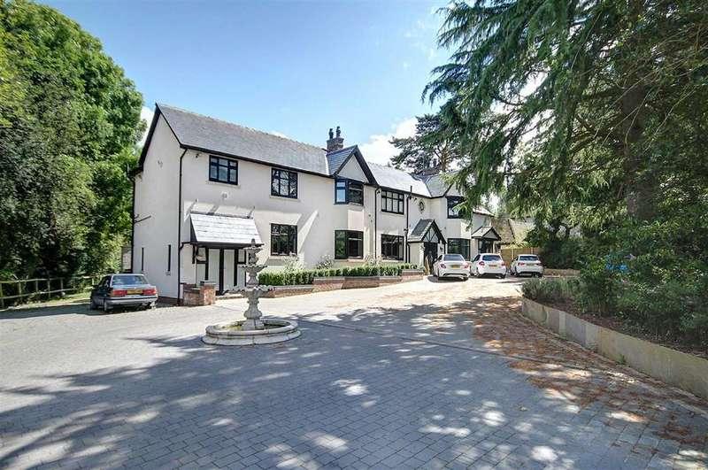 6 Bedrooms Detached House for sale in Sunbank Lane, Ringway, Altrincham
