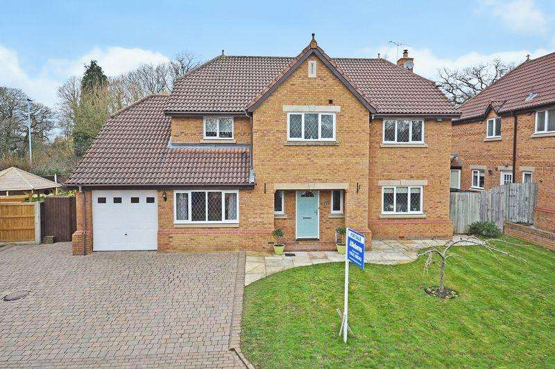 5 Bedrooms Detached House for sale in Woodstock Gardens, Appleton, Warrington
