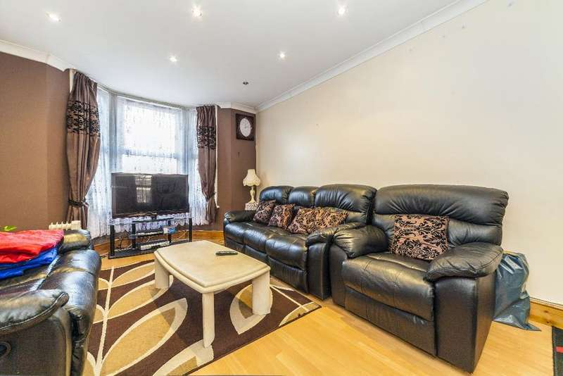 3 Bedrooms Terraced House for sale in Deanery Road, E15