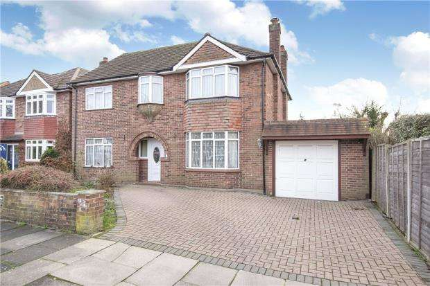 4 Bedrooms Detached House for sale in The Avenue, Staines-upon-Thames, Surrey