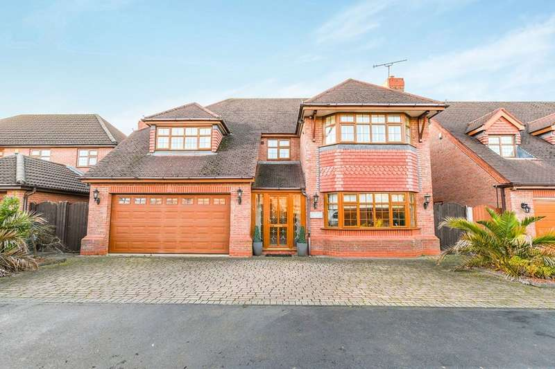 5 Bedrooms Detached House for sale in Stone Cross Drive, Widnes, WA8