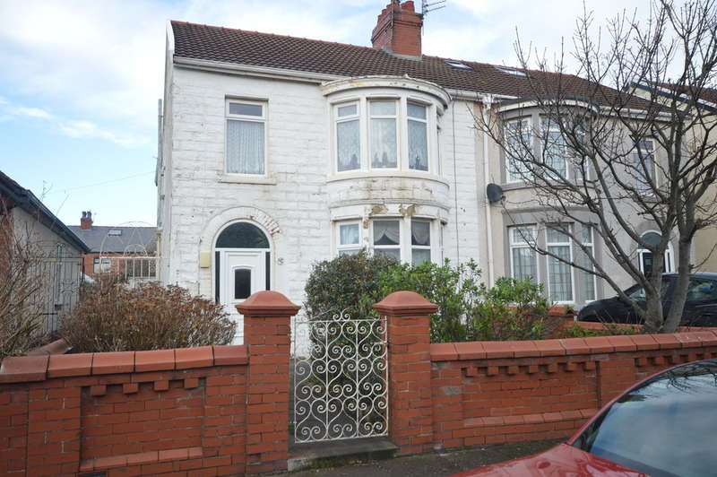 3 Bedrooms Semi Detached House for sale in Bournemouth Road, South Shore