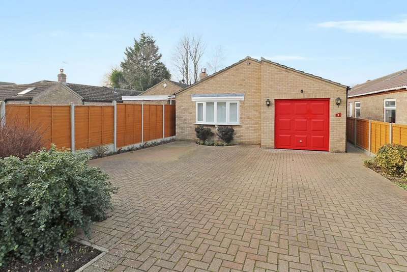 3 Bedrooms Detached Bungalow for sale in Tiverton Way, Cambridge