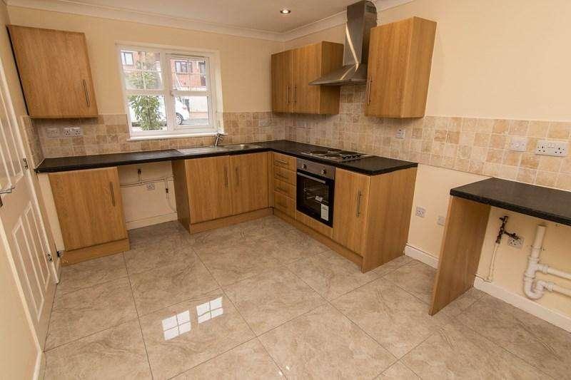 3 Bedrooms Semi Detached House for sale in Oak Road, Blaina, Abertillery