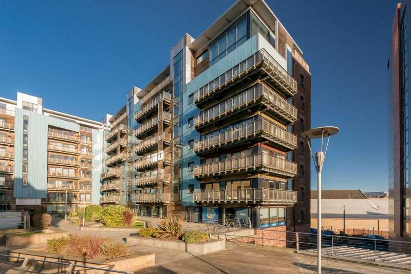 3 Bedrooms Flat for sale in 31/2 Breadalbane Street, Edinburgh, EH6 5JW