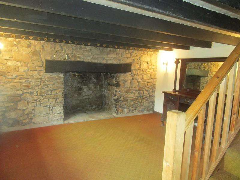3 Bedrooms Semi Detached House for sale in Ystradgynlais, Swansea, City And County of Swansea.
