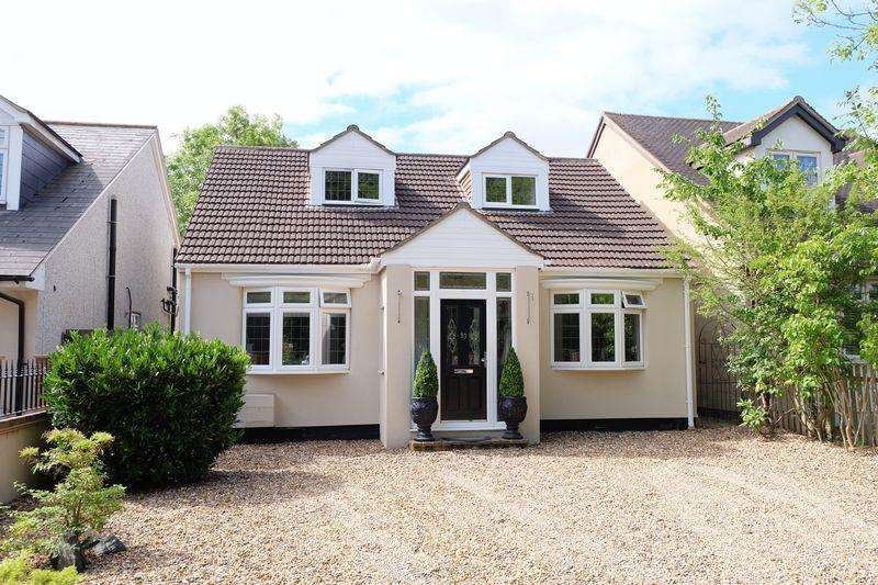 5 Bedrooms Detached House for sale in Tile Kiln Lane, Bexley