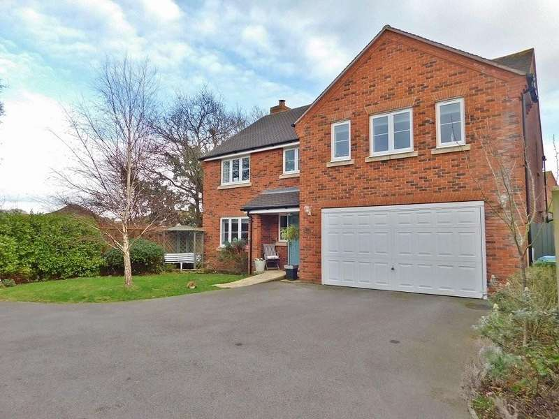5 Bedrooms Detached House for sale in Bell Davies Road, Hill Head