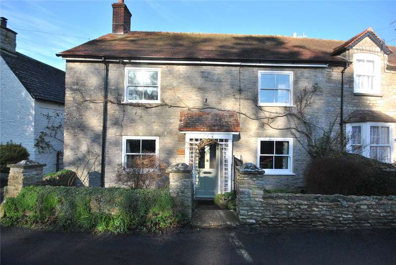 2 Bedrooms Semi Detached House for sale in Church Street, Henstridge, Templecombe, Somerset, BA8
