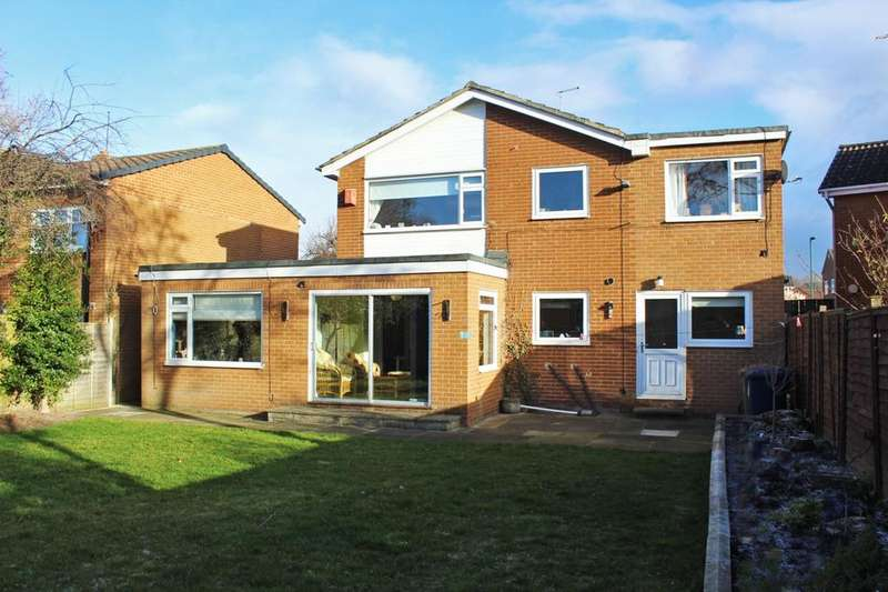 4 Bedrooms Detached House for sale in Cleveland Close, Ormesby, TS7