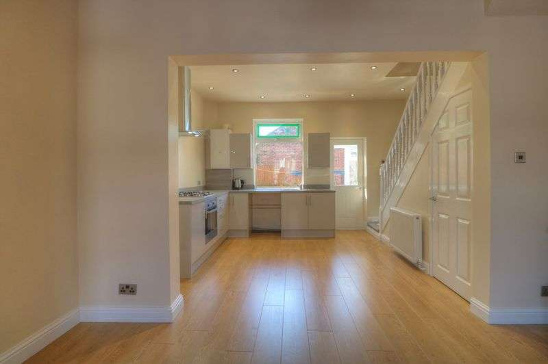 2 Bedrooms Property for sale in Park Lane, Oldham