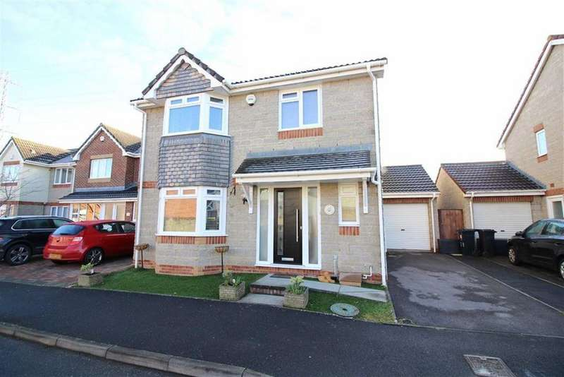 4 Bedrooms Detached House for sale in Pinkers Mead, Emersons Green, Bristol
