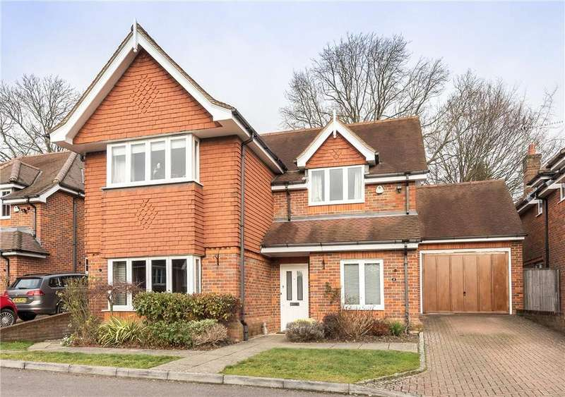 4 Bedrooms Detached House for sale in Rectory Close, High Wycombe, Buckinghamshire, HP13