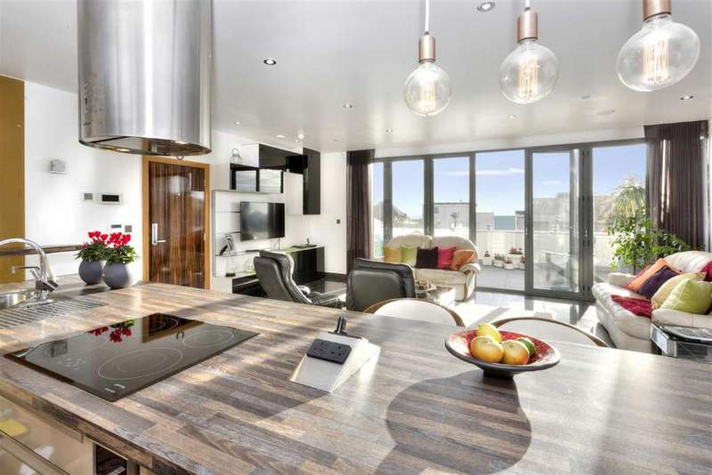 3 Bedrooms Flat for sale in Ocean Heights, Brighton, East Sussex