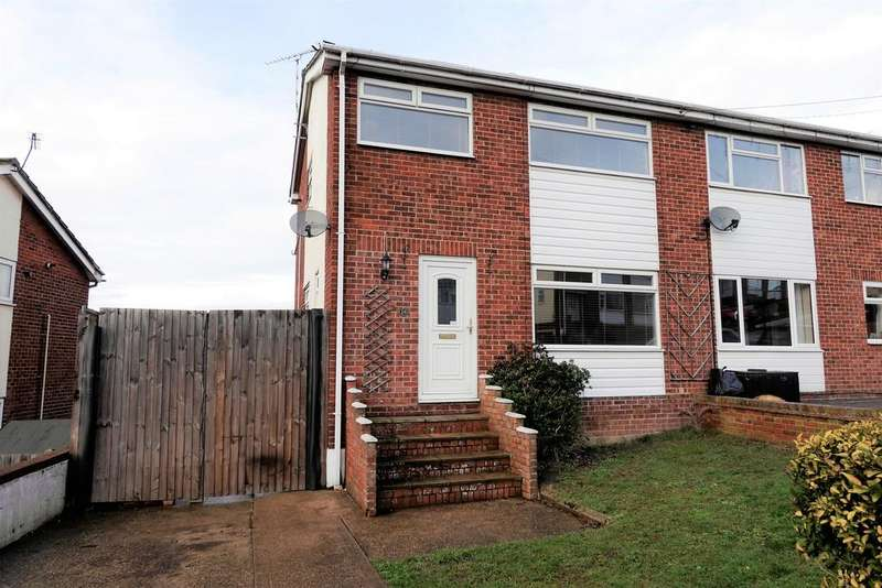 3 Bedrooms Semi Detached House for sale in Briardale Avenue, Dovercourt, Harwich