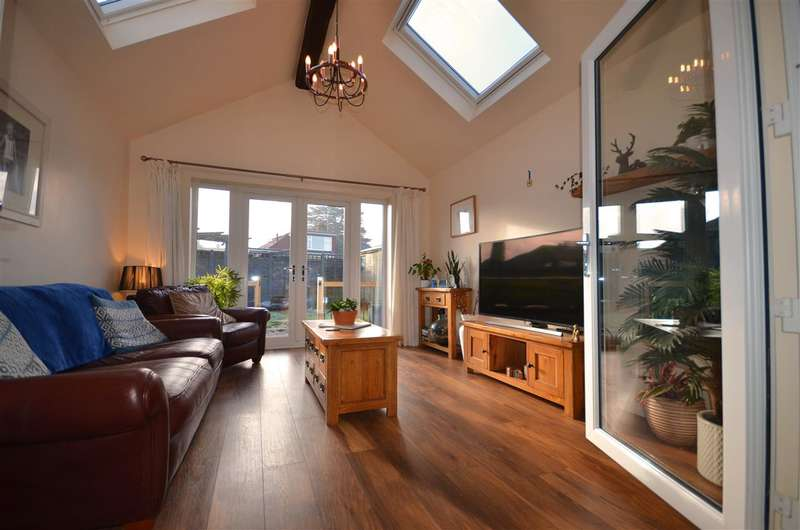 3 Bedrooms Bungalow for sale in Acle