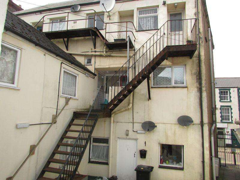 1 Bedroom Block Of Apartments Flat for sale in Newland Street, Coleford