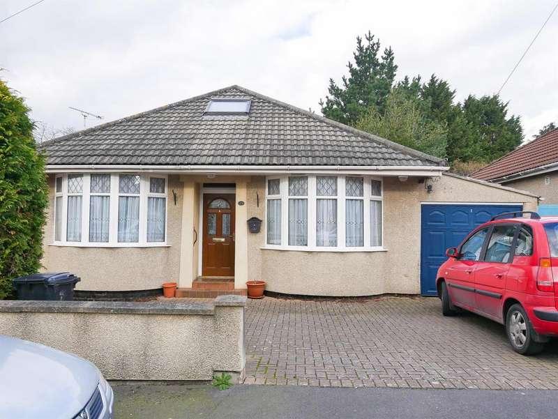 4 Bedrooms Bungalow for sale in West Town Avenue, Brislington, Bristol