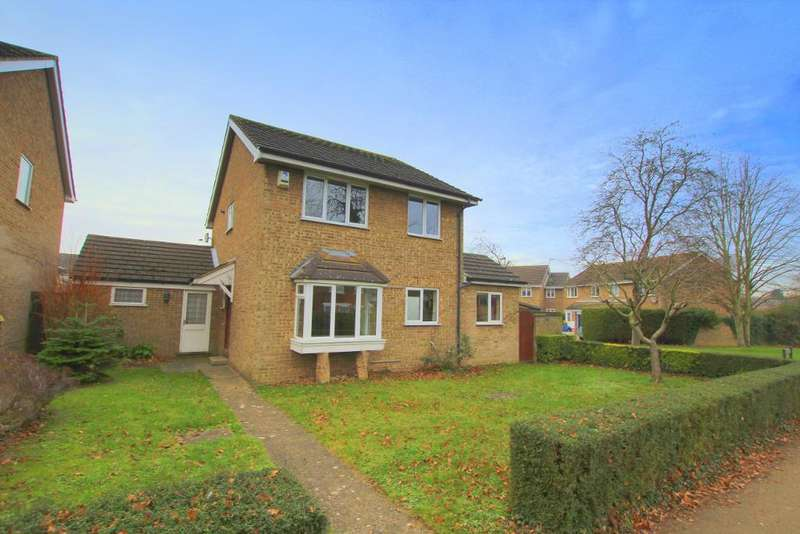 4 Bedrooms Detached House for sale in Ennerdale Path, Flitwick, Bedfordshire, MK45 1NE