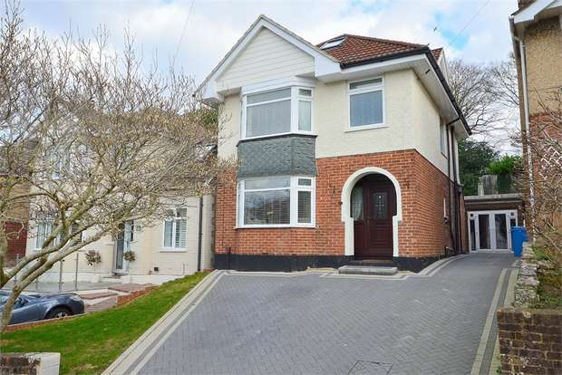4 Bedrooms Detached House for sale in Gordon Road South, Branksome, Poole