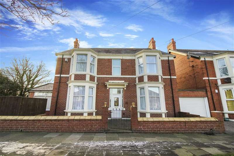 4 Bedrooms Detached House for sale in Marden Road South, Whitley Bay, Tyne And Wear