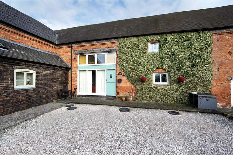 3 Bedrooms Barn Conversion Character Property for sale in Wigginton Field Farm Barns, Wigginton, Tamworth