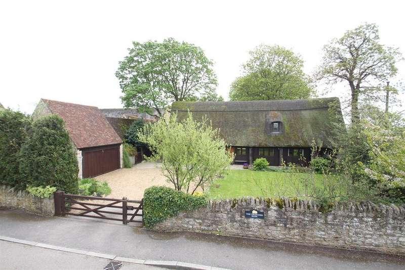 4 Bedrooms Detached House for sale in Hanslope Road, Castlethorpe, Milton Keynes