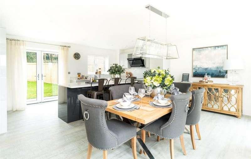 5 Bedrooms Detached House for sale in Croft Road, Westerham, Kent, TN16