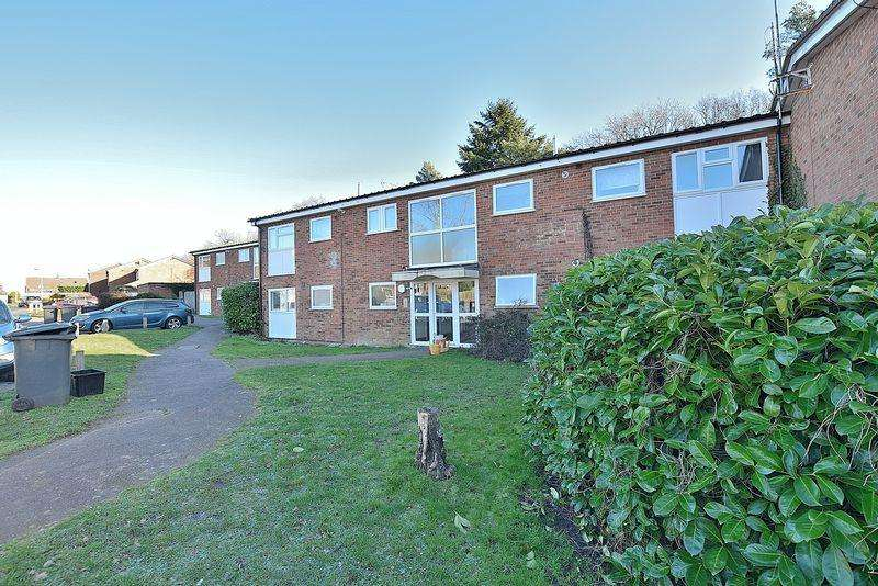 1 Bedroom Flat for sale in Plewes Close, Kensworth