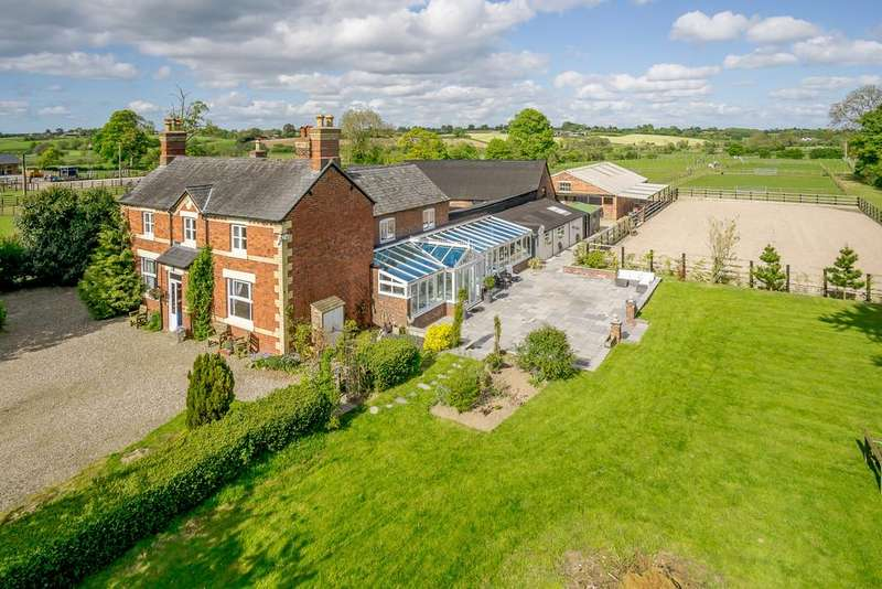 5 Bedrooms Farm House Character Property for sale in Rhosygadfa, Oswestry