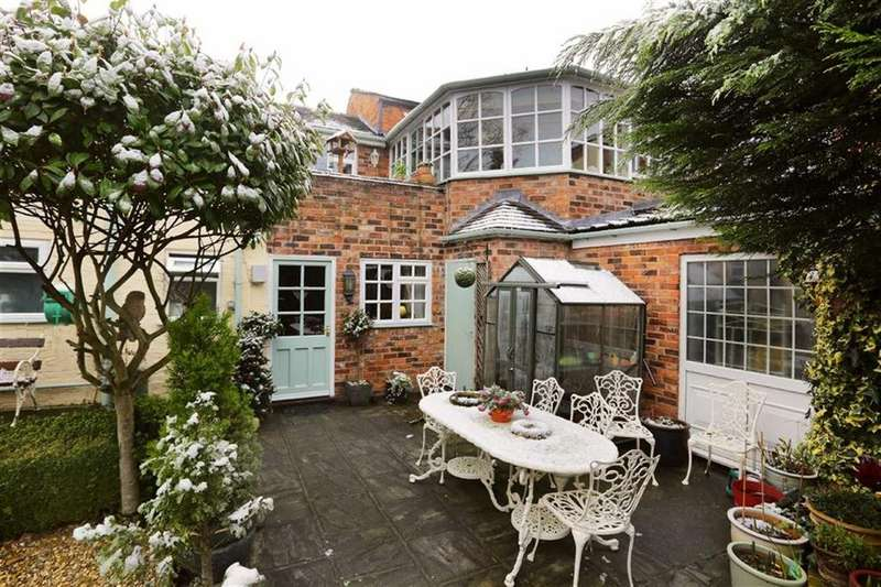 3 Bedrooms Apartment Flat for sale in Hospital Street, Nantwich, Cheshire