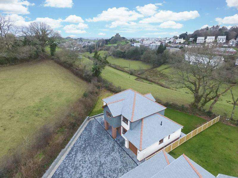 4 Bedrooms Detached House for sale in Chapel Park, Launceston