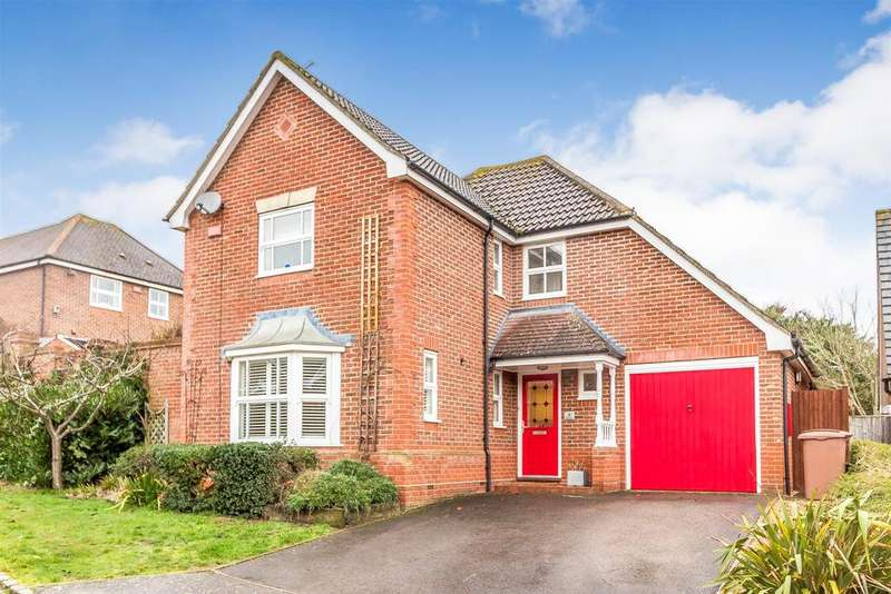 4 Bedrooms Detached House for sale in Balme Close, Charvil, Reading