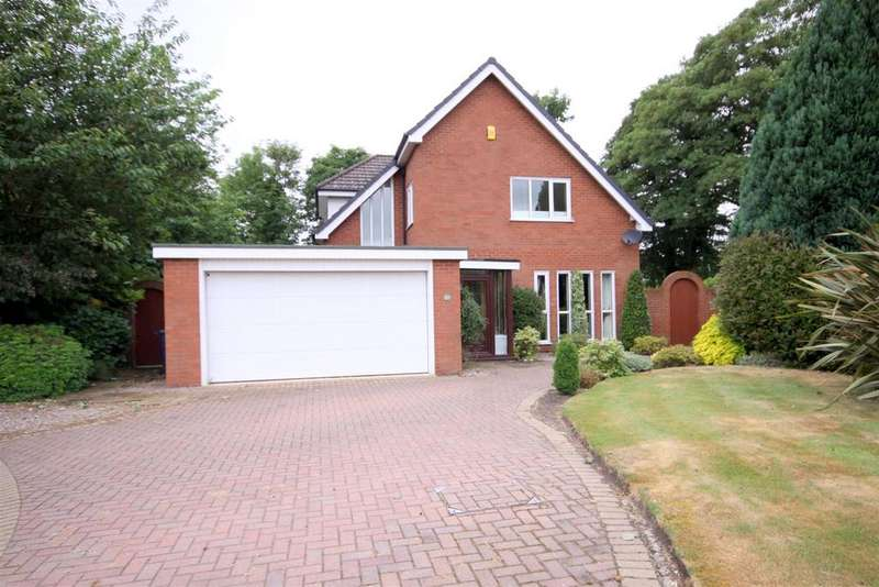 4 Bedrooms Detached House for sale in Old Rectory Green, Aughton