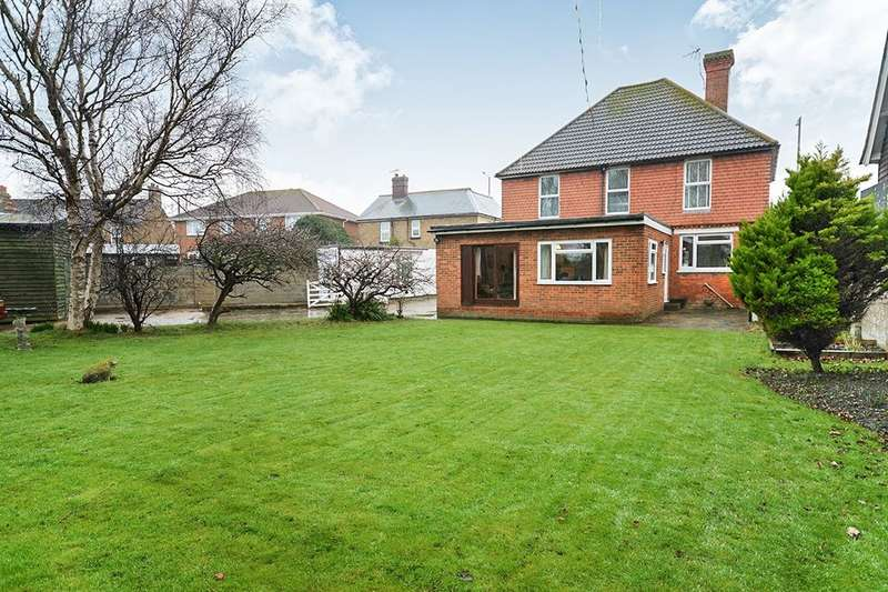 7 Bedrooms Detached House for sale in High Street, Dymchurch, Romney Marsh, TN29