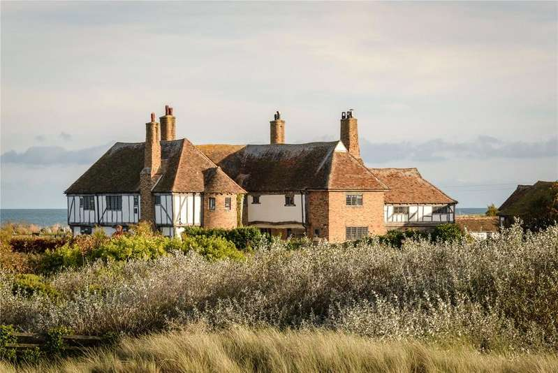 8 Bedrooms Detached House for sale in Princes Drive, Sandwich Bay, Sandwich, Kent