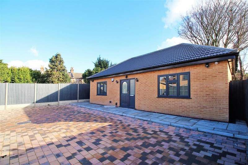 3 Bedrooms Bungalow for sale in Mill Road, Erith