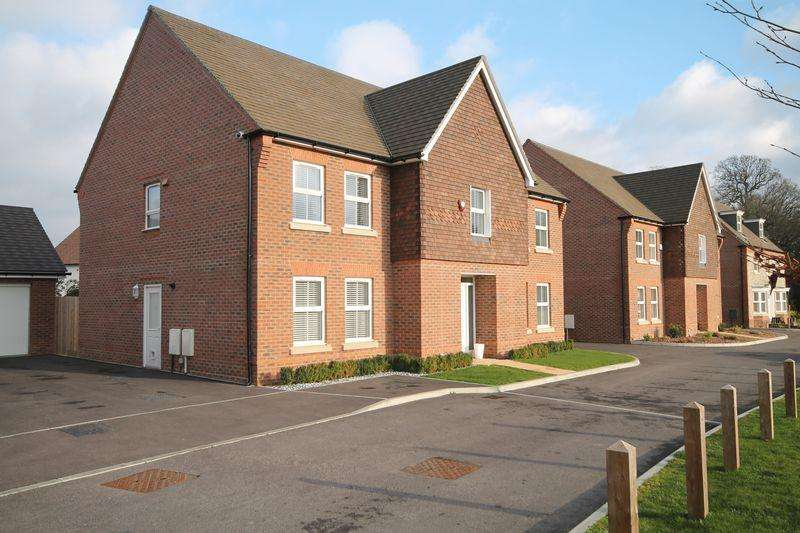 5 Bedrooms Detached House for sale in Harriet Gurney Lane, Hurstpierpoint, West Sussex,