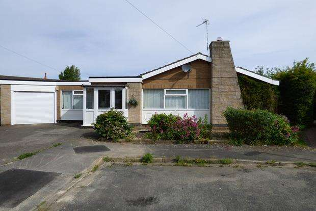 4 Bedrooms Bungalow for sale in Ranworth Close, Skegness, PE25