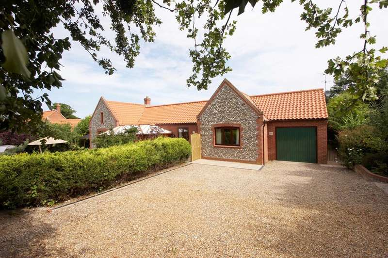 4 Bedrooms Detached Bungalow for sale in Off Mill Lane, East Runton